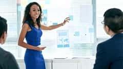 آموزش سخنرانی در جمع: مشاوران مالی تخصص شما را انتقال می دهند