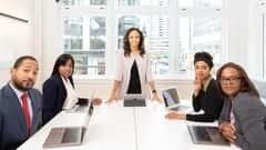 آموزش رسانه برای حرفه ای های خدمات مالی