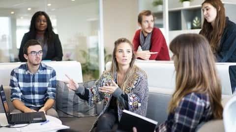 آموزش ارتباطات در محل کار: انتقاد را به طور موثری ارائه می دهد