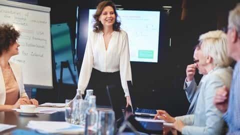 آموزش سخنرانی در جمع: مانند یک مدیر قدرتمند صحبت کنید