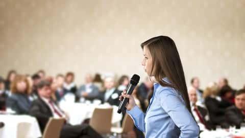 آموزش سخنرانی در جمع: می توانید با مخاطبان بزرگ صحبت کنید